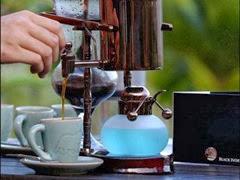 caffe servito in tazza