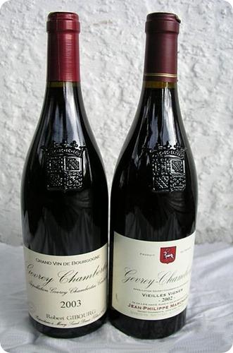 pinot nero-Burgundy_bottles