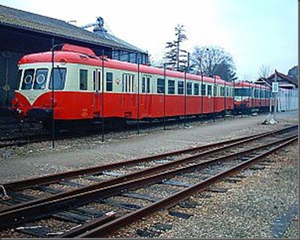 300px-SNCF_X_2426_Pont-Audemer_25-02-06