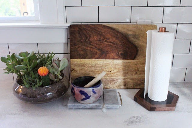DIY-Paper-Towel-Holder