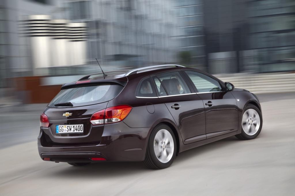 2013-Chevrolet-Cruze-Facelift-12.jpg?imgmax=1800