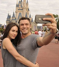 megan-fox-brian-austin-green-disneyland__opt