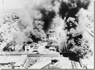 300px-Wattsriots-burningbuildings-loc