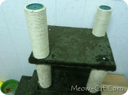 how to building cat tree -Assemble the posts and base 7