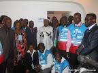 – Au centre, Etienne Tshisekedi, président de l'UDPS, pose avec quelques opposants et personnels de la Ceni après le dépôt de sa candidature pour la présidentielle 2011, le 5/09/2011 au bureau de réception, traitement des candidatures et accréditation des témoins et observateurs de la Ceni à Kinshasa. Radio Okapi/ Ph. John Bompengo