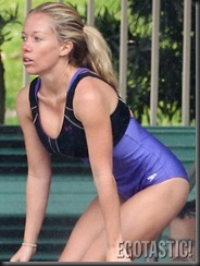 kendra-wilkinson-takes-a-splash-at-celebrity-diving-04-675x900