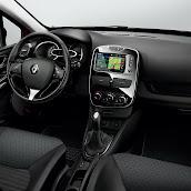 2013-Renault-Clio-Sport-Tourer-11.jpg
