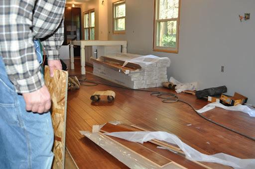 Laminate flooring laminate flooring instructions for Laminate flooring techniques