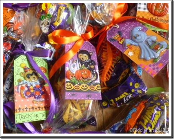 Halloween Trick or Treat Bags with tags. 11