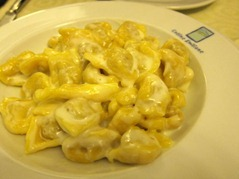 Asciutte of Tortellini alla panna - Meat dumplings with cream sauce
