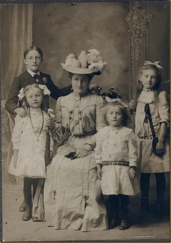 Copy of DOLLAR_Bertha_withFreada&nieces-nephews