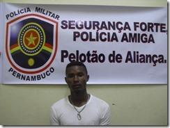 ACUSADO - MAURILIO RIBEIRO DA SILVA - VULGO LIRO - 23 ANOS, SOLTEIRO, DESOCUPADO, RESIDENTE NA RUA PAULO GUERRA, 18 CENTRO-ALIANCA