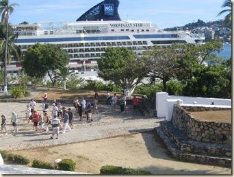 Acapulco 3 Fuerto San Diego 9 Tourists Invading