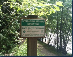 app trail sign