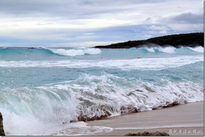 屏東-後壁湖白沙。個人覺得當天的浪其實有點大,比較適合在海邊踏踏浪花、泡泡腳,不太建議下水游泳。