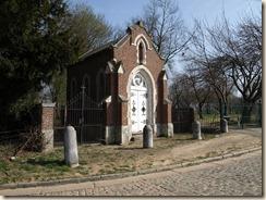 Walsbets, Cl. Gregoirestraat: kapel behorend bij kasteelhoeve