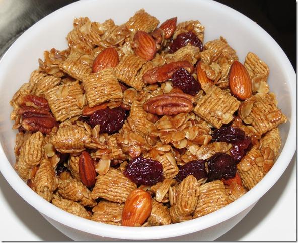 Quaker oat Squares Snack Mix 2-19-13