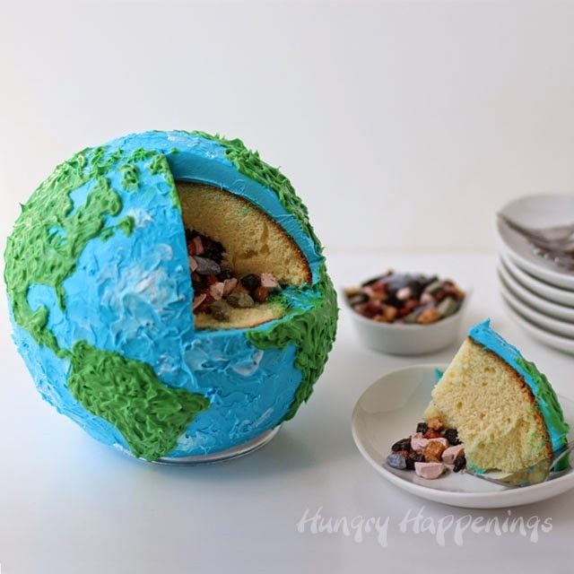 Earth-cake-with-candy-rocks-inside
