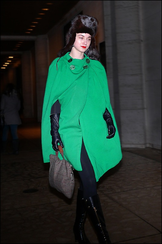 31 w green cape long leather gloves black fur hat red lips ol