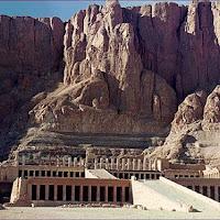 22.- Templo hipogeo de la reina Hatshepsut