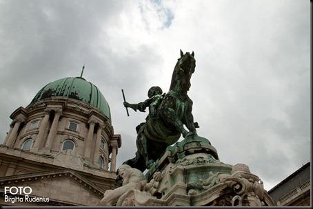 statue_20120330_horse2