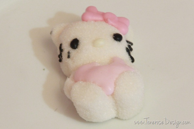 IMG_9443_rosa_kakebord_hello_kitty_dessertbord_bursdag