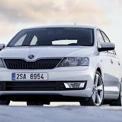2013-Skoda-Rapid-Sedan-22.jpg