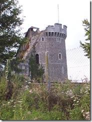 2005.07.30-006 château de Robert-le-Diable