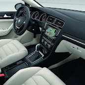2013-Volkswagen-Golf-7-Interior-6.jpg