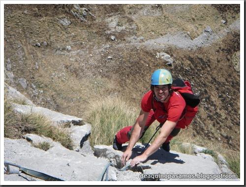 Via Intrusos 350m MD  7a  (6b A0 Oblig) (Alto Les Palanques, Picos de Europa) (Isra) 9058