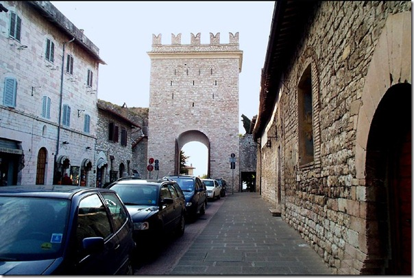 city_gate_at_assisi