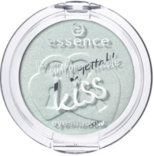 ess_UnforgettableKiss_EyeShadow_01_NothingButLovestoned