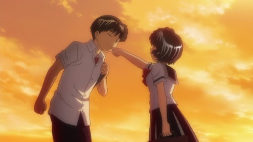 Tsubaki sucks spit off of Urabe's finger on the way home from school