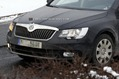 2013-Skoda-Superb-7Carscoop