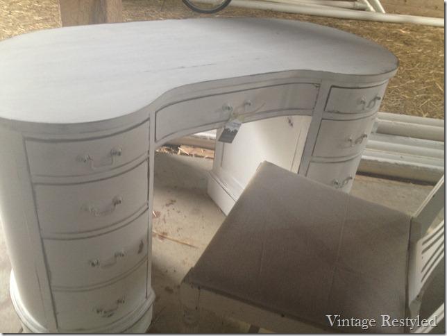 Shabby desk 002