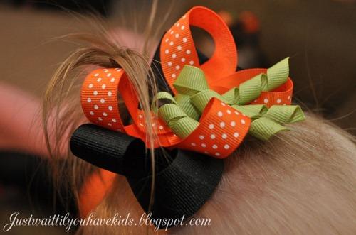 10-31-12_TnT-Pumpkin-Bow