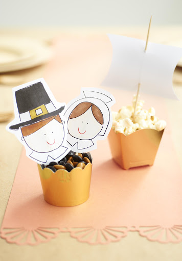 Cups filled with candy and popcorn become ships when adorned with my Pilgrims artwork and Mayflower template. Get the clip art here: http://www.marthastewart.com/951490/darcy-millers-thanksgiving-ideas.