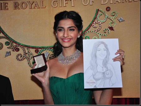 Sonam_Kapoor_Latest_Wallpapers08