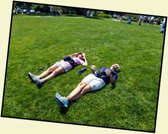 04b - Downtown Bar Harbor - Enjoying the grassy hill