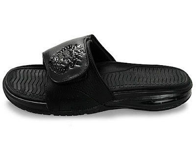 news lebron 9 flip flops triple black 11 Nike Air LeBron Slide Gets the Triple Black Treatment