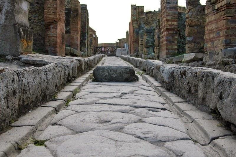 streets-pompeii-1