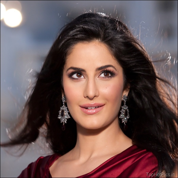 Katrina Kaif Hot Hd Pics in Red Dress 2