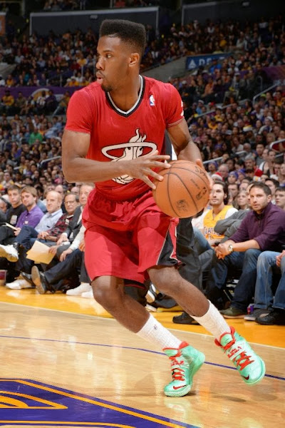 wearing brons nba soldier7 norris cole xmas 03 @PG30 MIA & @Money23Green Showcase Two Different Soldier VII Xmas PEs