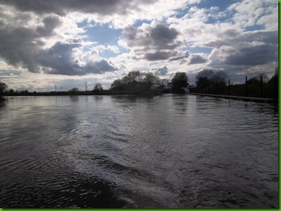 013Exit from Cranfleet Lock into the Trent