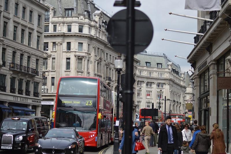 Rifle, Parka Rifle, Zara, Zara bag, zara scarf, strategia biker boots, valentino sunglasses, london, londra, oxford street, fashion blogger,italian fashion blogger, elisa taviti, my fantabulous world, Hyde Park, Hyde Park London