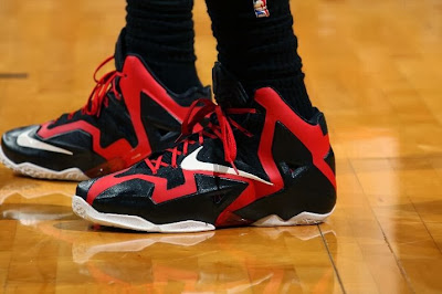 lebron james nba 140129 mia vs okc 02 King James Debuts New Nike LeBron 11 PE for One Quarter