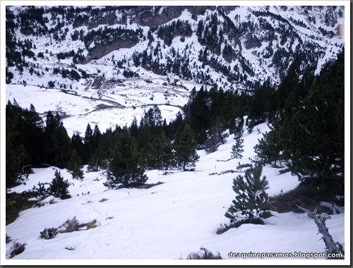 Canal Central SO 200m 50º con esquis (Pico de la Montañeta 2552m, Benasque, Pirineos) (Isra) 3388