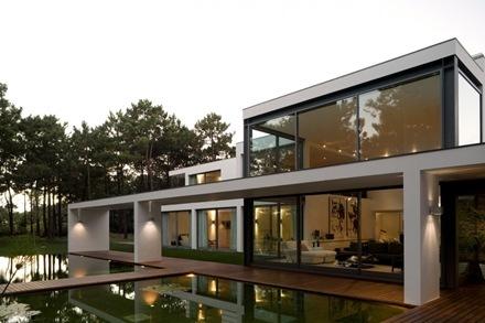 Casa-del-Lago-Arquitecto-Frederico-Valsassina-4_thumb[1]