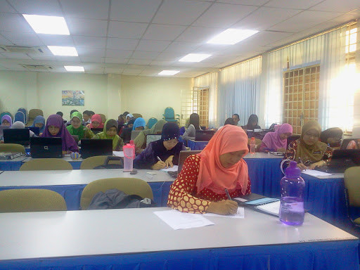 Selesai sudah kursus guru data baru sekolah menengah negeri Johor. Harap  semua peserta akan dapat manfaat sepenuhnya ilmu yang diturunkan.  InsyaAllah. e3747d32b8
