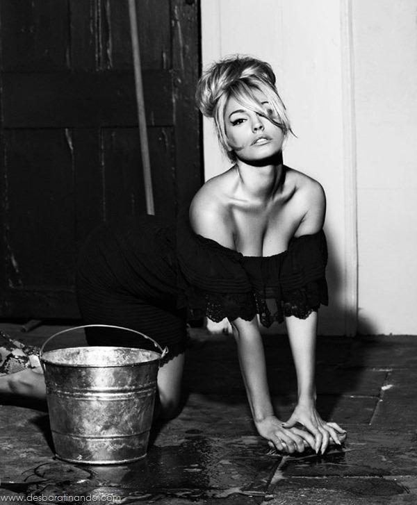 Kelly-Brooklinda-sensual-photoshoot-pics-boob-desbaratinando (7)